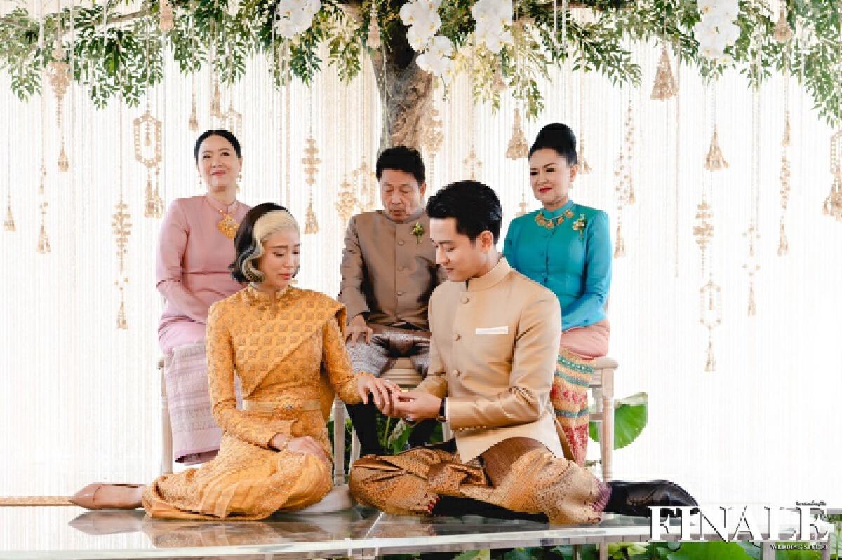 """""""แก้ว  จริญญา"""" ตอบแล้วหลังเจอดราม่าเรื่องสีผมไม่เหมาะกับชุดไทยวันแต่งงาน"""