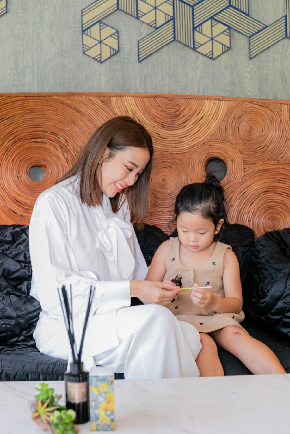 THANN ชวนคุณแม่ร่วมสร้างพัฒนาการลูกน้อย ใช้ศาสตร์กลิ่นหอม เสริมสร้างบรรยากาศในครอบครัว