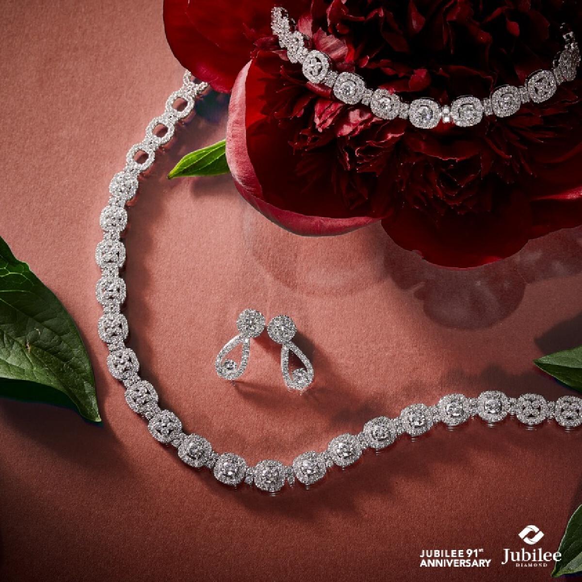 Jubilee Diamond แนะวิธีเลือกเครื่องประดับเพชรอย่างไรให้โดนใจทั้งผู้ให้และผู้รับ