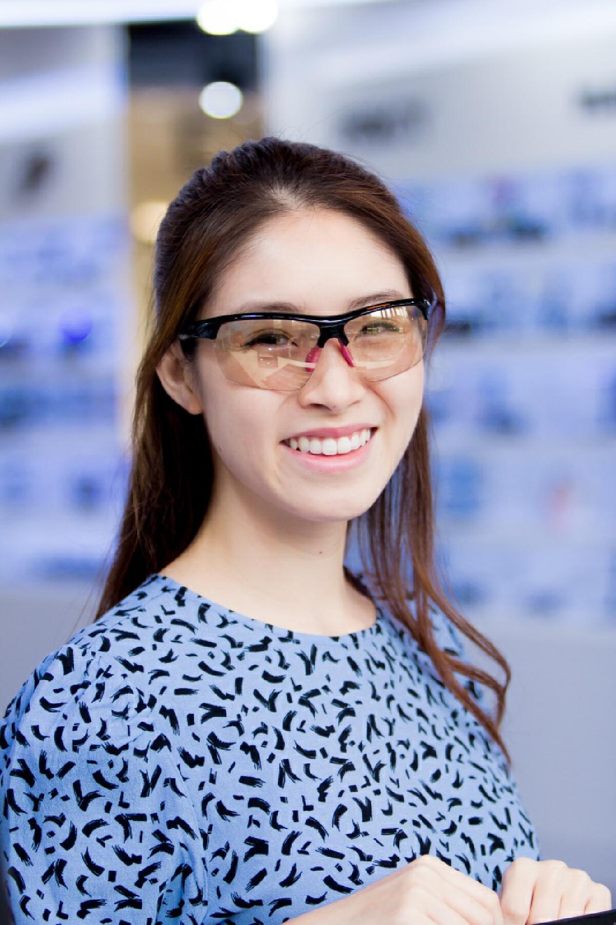 แว่นท็อปเจริญชวนดาร์ลิ่ง อารดา นางฟ้าไตรกีฬาช้อปแว่น Cos Club ตอบโจทย์ทุกไลฟ์สไตล์
