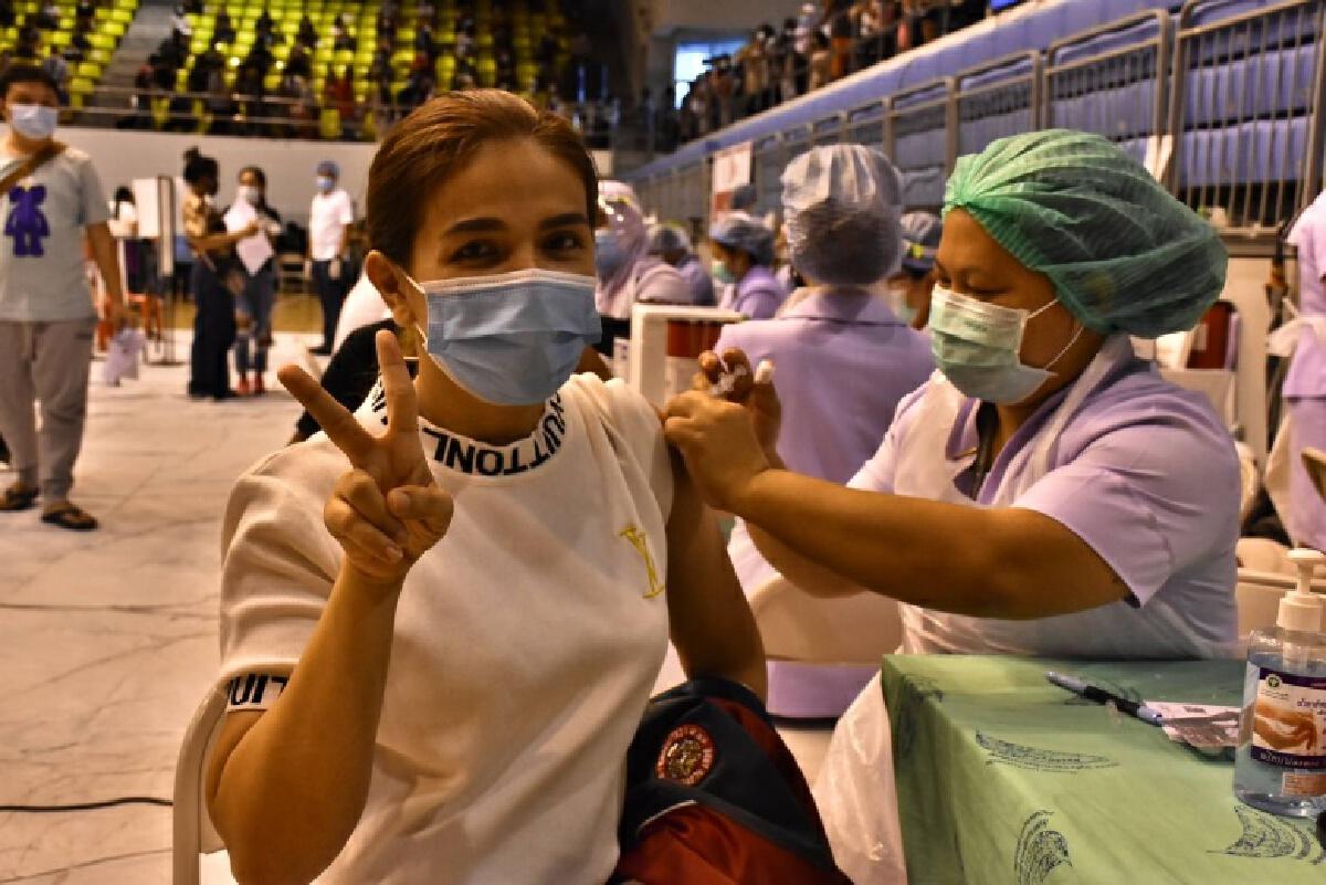 ปลัดสธ. พร้อมสนับสนุนนโยบายรัฐบาลเปิดประเทศอย่างปลอดภัย นำร่อง จ.ภูเก็ต จัดวัคซีนโควิด 19 ครอบคลุมประชากร 70%