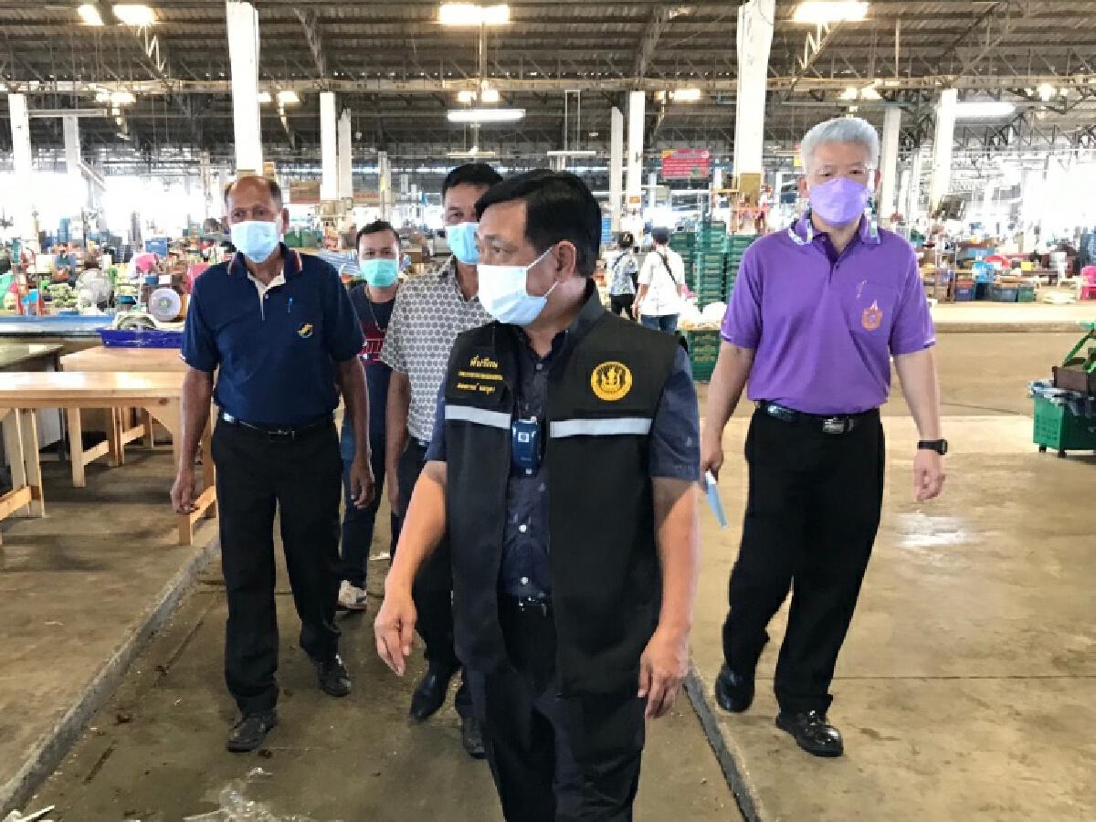 """""""เฉลิมชัย""""เดินหน้าโครงการ """"แบ่งปันน้ำใจ เกษตรไทยสู้ภัย COVID – 19""""ช่วยเพชรบุรี"""