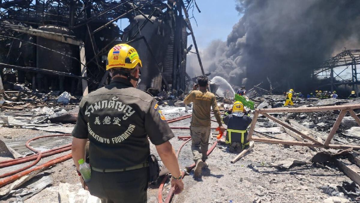 """""""ไฟไหม้กิ่งแก้ว"""" ทำบ้านเรือนพังไม่ต่ำกว่า 70 หลัง เสียชีวิต 1 ราย บาดเจ็บ 29 ราย"""