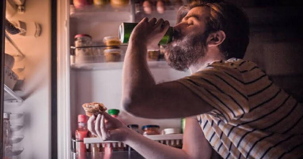 5 อาหารที่ไม่ควรกินตอนดึก ถ้าไม่อยากอ้วนลงพุง