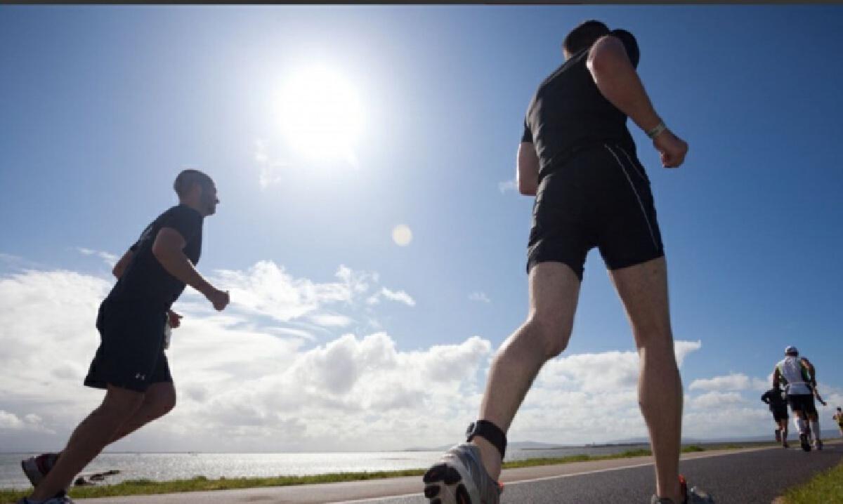 """แค่ """"เดินเร็ว"""" วันละ 30 นาที ช่วยป้องกันโรคหัวใจ และสมองเสื่อม"""