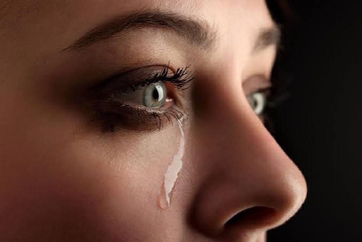 """3 วิธี """"กู้คืนดวงตา"""" ให้กลับมาสดใสลดอาการตาบวมหลังร้องไห้หนัก"""