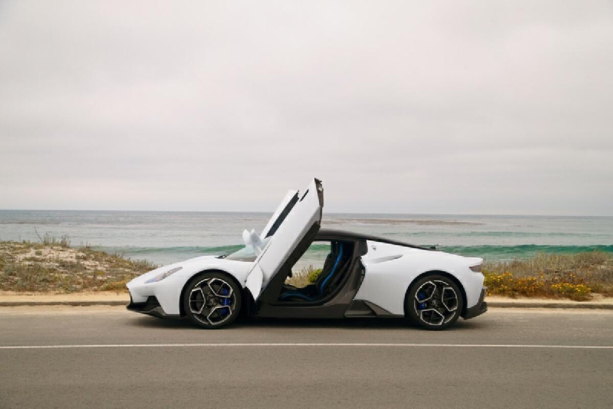 """Maserati"" MC20 เส้นสายสุดโฉบเฉี่ยว โชว์ตัวต้อนรับงาน Monterey Car Week"