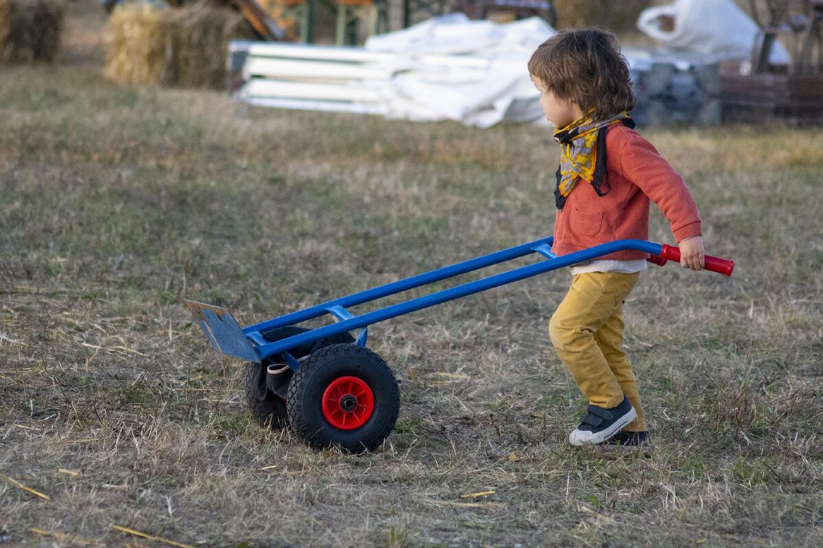 ชวนลูกทำงานบ้าน สร้างทักษะฉลาด EF สู่ความสำเร็จในอนาคต