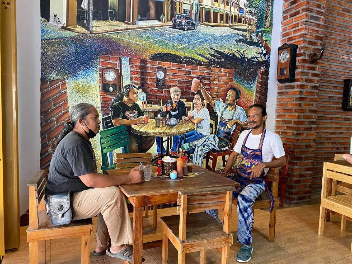 """""""จิบน้ำชา"""" ชมภาพวาดประวัติศาสตร์เมืองสตูลแหล่งท่องเที่ยวแห่งใหม่"""