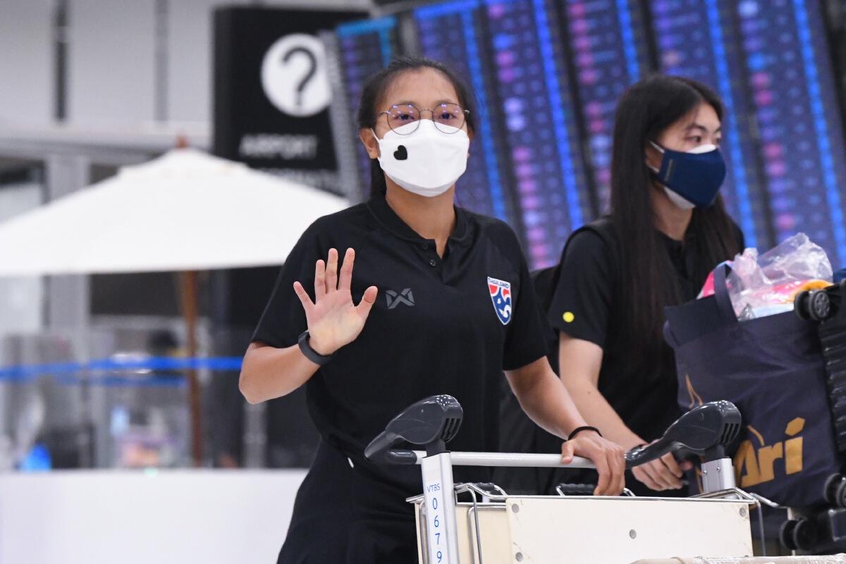 """เฮดโค้ช """"ฟุตบอลหญิงทีมชาติไทย"""" ประกาศพาชบาแก้ว ปราบ 2 ทีม เข้ารอบเอเชีย"""