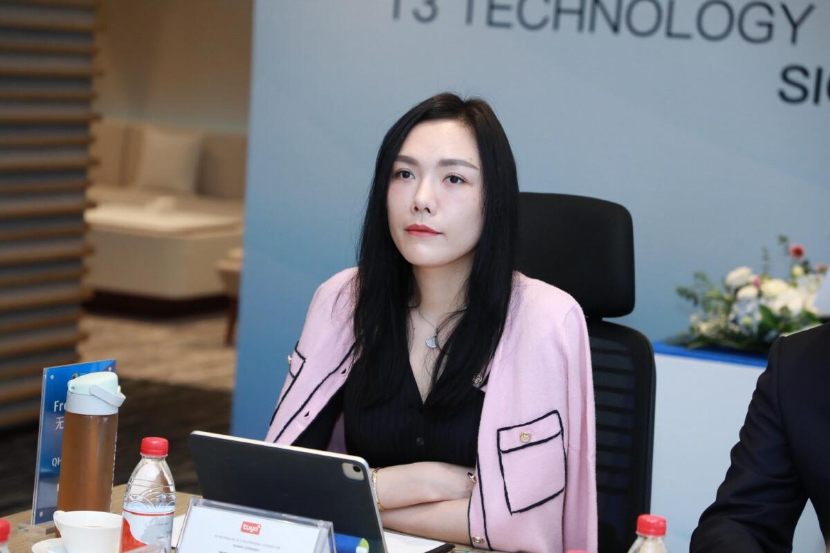 นางสาวอีวา นา รองประธานฝ่ายการตลาดและความร่วมมือเชิงกลยุทธ์ และ CMO ของบริษัท Tuya Smart จำกัด