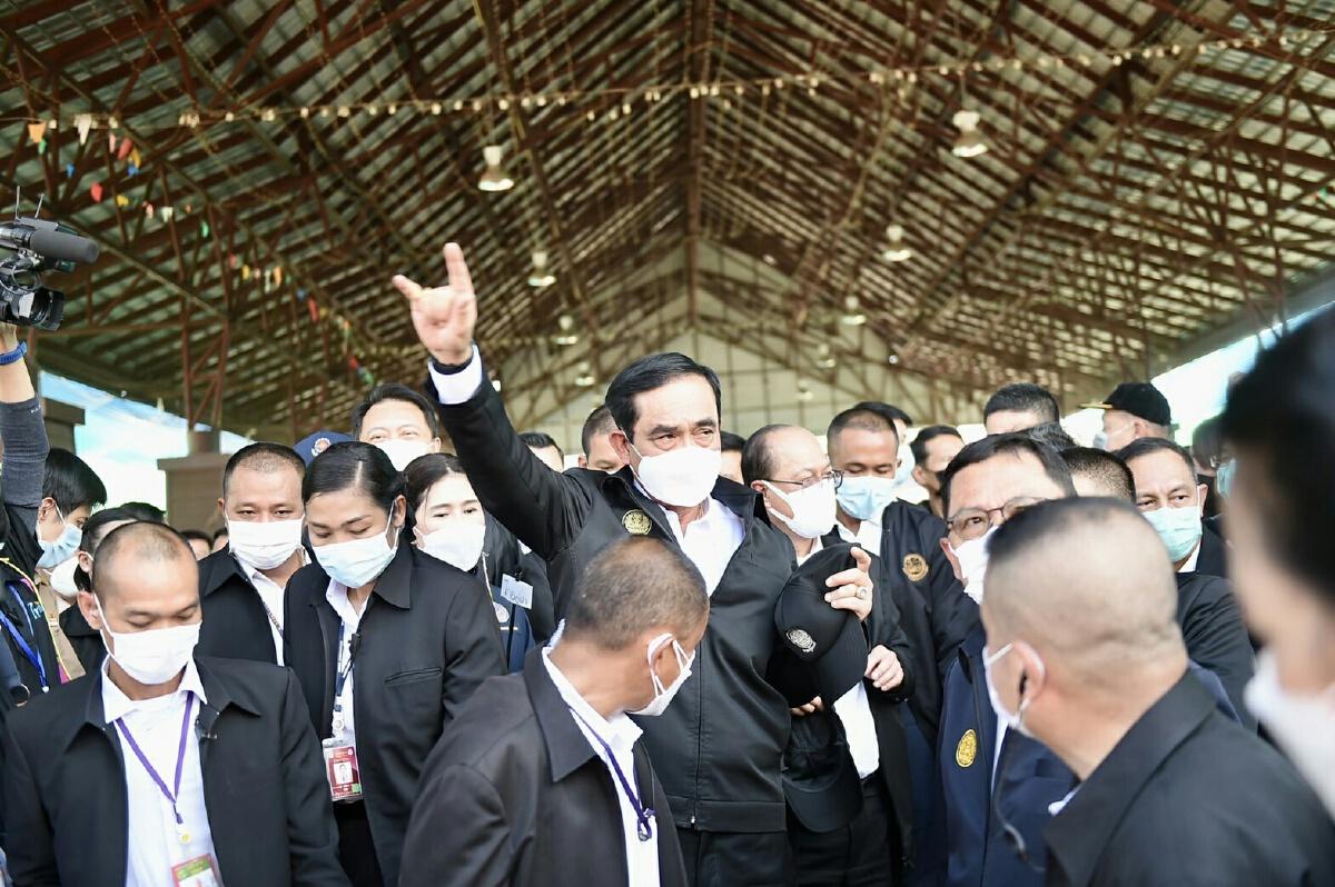 พล.อ.ประยุทธ์ จันทร์โอชา  นายกรัฐมนตรี บุคคลที่ ผู้การชาติเอ่ยถึงเสมอบนเวทีปราศรัยว่าเขาเป็นเพื่อนนายกฯ