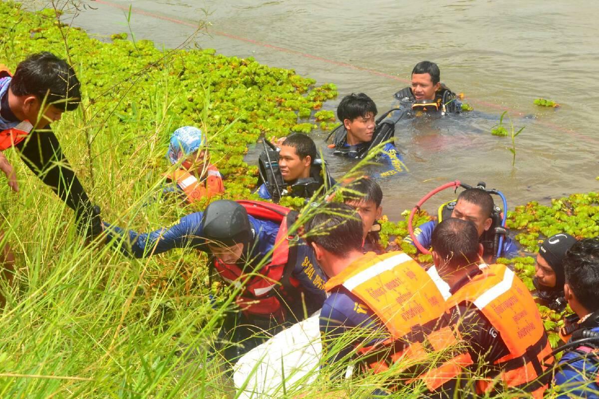 """""""พบแล้ว"""" ผู้สูญหายในฝายน้ำล้น หลังญาติจุดธูปขอเจ้าที่เปิดทาง"""