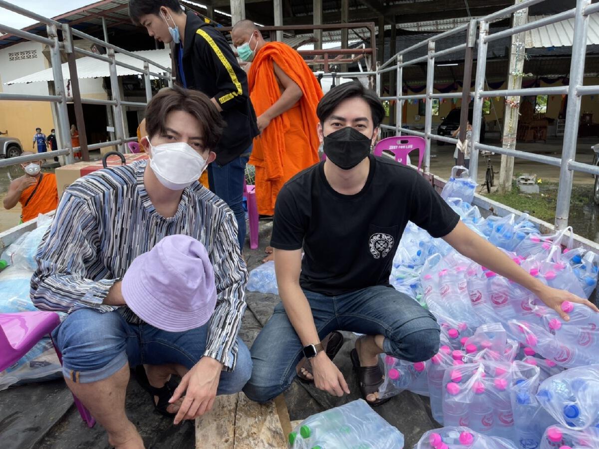 """""""ไทยสร้างไทย"""" ลุยน้ำท่วมสุโขทัย ช่วยปชช.วอนรัฐเร่งแก้น้ำท่วมซ้ำซาก"""