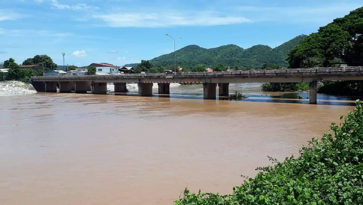 """เมืองเลยจมน้ำ """"แม่น้ำเอ่อล้น"""""""